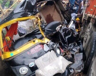Gaya: Truck slams into Auto Rickshaws, 7 killed, 4 injured - The Wall Post