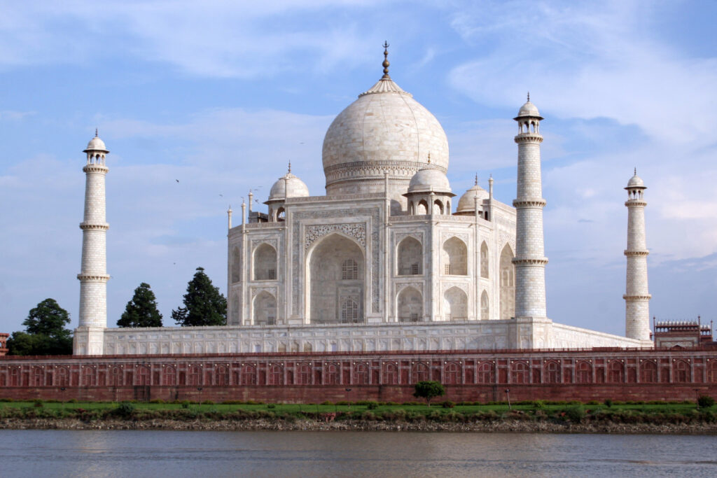 After 6 months of lockdown, the Taj Mahal and Agra Fort opened from 21 September - The Wall Post