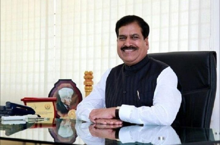 Minister of State for Railways Suresh Angadi dies because of Corona - The Wall Post