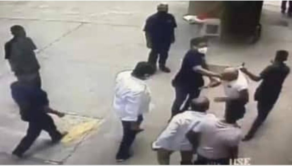 Police granted bail to the accused for beating a retired navy officer in Mumbai - The Wall Post