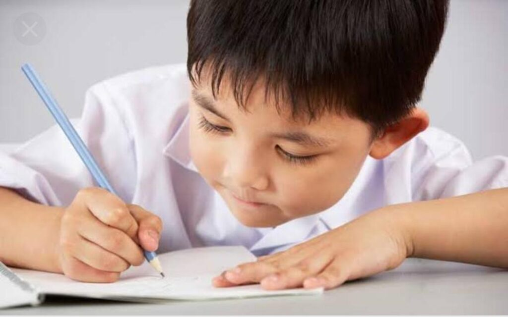 Computer Typing Vs Hand-Writing Lets see which is Better for Children's