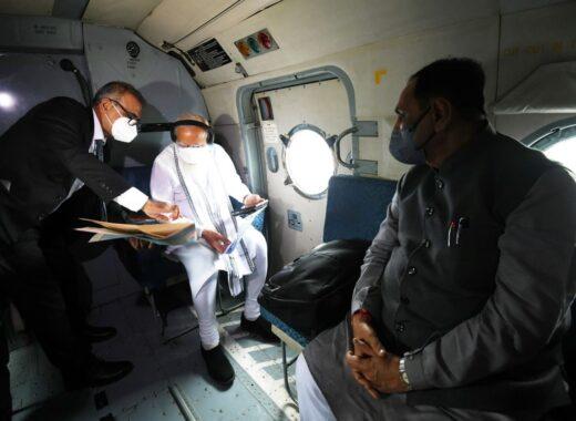 PM Modi announces Rs.1000 crores for Gujarat after conducting aerial survey