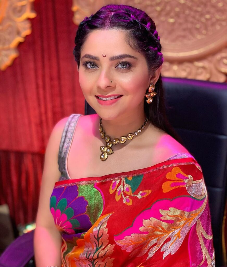 Pimpri Chinchwad news- A man trespasses into Actress Sonali Kulkarni house
