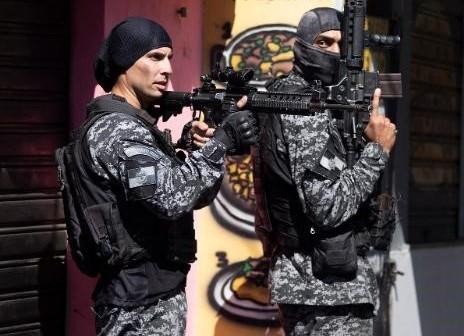 Police shootout in Rio De-Janeiro - favelas kills 25  -The Wall Post