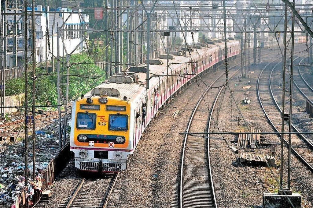 Pune local train service is soon to resume its service for vaccinated passengers - The Wall Post